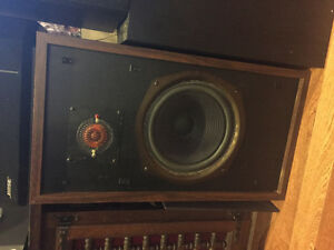 Wanted: Stereo receivers, amps, preamps, speakers & subs