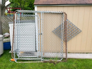 3 sided chain link dog kennel with gate