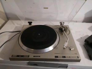 Pioneer PL-600 fully automatic record player