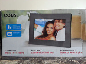 """COBY 7"""" Widescreen Digital Photo Frame -New in box"""