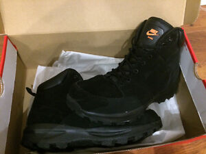 Brand new men's Nike boots size 10