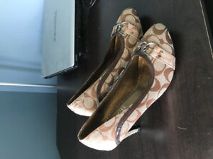 Ladies Shoes Size 9-New
