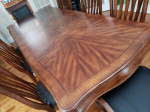 Tremendous Table 8 10 Chairs Kijiji In Ottawa Gatineau Area Buy Home Interior And Landscaping Elinuenasavecom