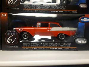 Highway 61 1957 Chevy Utility Sedan Street Machine 1:18 diecast