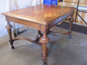 LATE 1800's SOLID OAK DINING ROOM TABLE & 6 CHAIRS Prince George British Columbia image 2