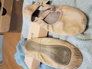 Mondor ballet shoes. 4.5 M