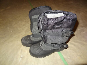Winter Boots Thinsulate Size 8 Youth Strathcona County Edmonton Area image 1