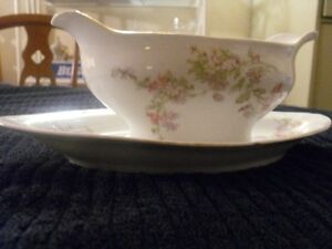 ROYAL AUSTRIA GRAVY BOAT AND PLATE