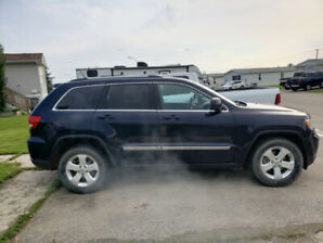 2012 jeep cherokee laredo
