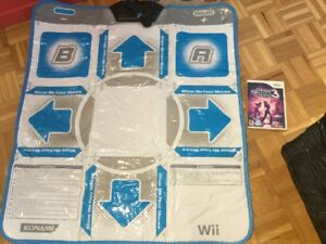 Wii Tapis de danse + jeu Hottest Party 3 - 25$
