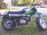 moto tres rare de collection x2