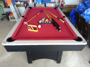 Pool table 47x84x37.5 (h), with accessories