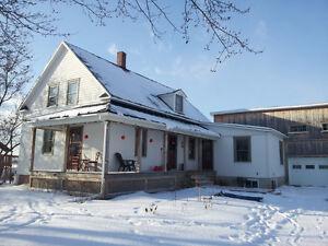 Maison à étage Henryville restaurée 4 chambres poss.5