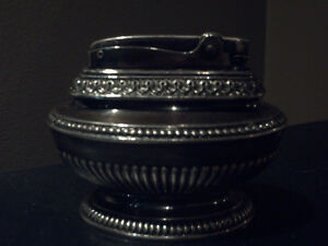 RONSON QUEEN ANNE TABLE LIGHTER - VINTAGE c.1950's SILVER E.P.