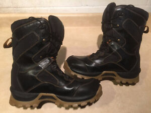 Women's Cougar Winter Boots Size 8 London Ontario image 6