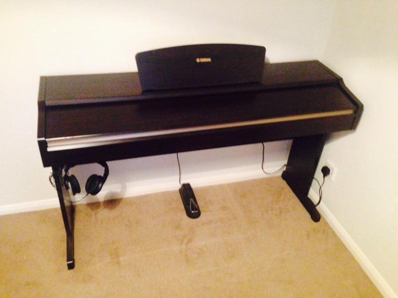 Yamaha digital piano ydp 113 in salisbury wiltshire for Yamaha ydp 113 for sale