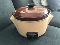 *BRAND NEW AND BOXED* SLOW COOKER