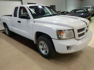 2008 Dodge Dakota SXT 4x4 Tanneau Great Stereo