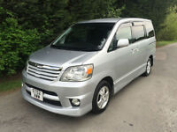 52 REG - TOYOTA NOAH 2.0 PETROL AUTOMATIC 8 SEATER - FULLY LOADED TOP SPEC