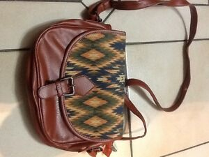 More handbags clutches and wallets! Edmonton Edmonton Area image 4