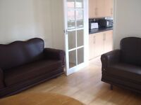 RB Estates are pleased to offer 4 Bed student house in University area, 2 bathrooms, fitted kitchen