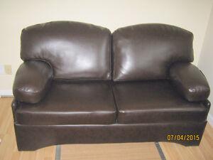 Divan meubles dans sherbrooke petites annonces for Divan kijiji quebec