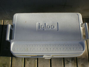 Large White 54 Litre Hard Sided Cooler Peterborough Peterborough Area image 2