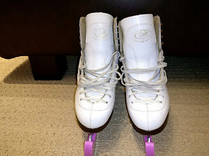 GAM Skates. Ultima Mirage Blades. Size 4C; LIKE NEW London Ontario image 1
