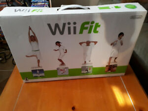 Wii Fit (with Balance Board and Original Box/Carry Case)