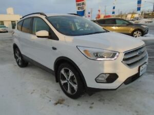 2017 Ford Escape SE AWD Eco Boost w/Remote Start, Leather & He..