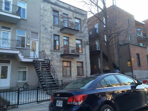 Room for rent in the Plateau/Mile End area