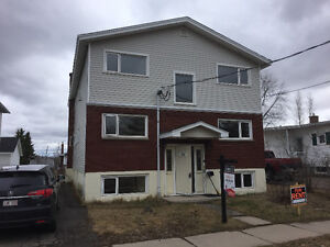 2 bedroom apartment walking distance to Moncton City Hospital