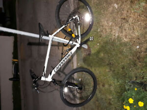 Mint condition CANNONDALE CATALYST 24 speed must go..