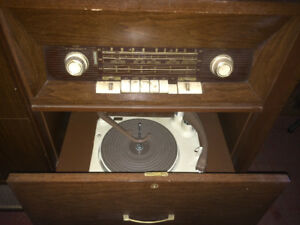MOVING SALE--ANTIQUE FLEETWOOD TV RECORD PLAYER AND STEREO !!