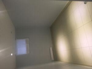 2 BEDROOM BASEMENT UNIT JULY-SEPTEMBER 1, 900/Room IMMEDIATELY