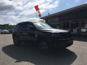 2017 Jeep Grand Cherokee Trailhawk  -  - Leather Seats