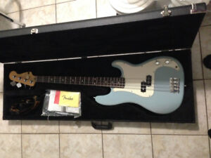 Highway one FENDER PRECISION BASS