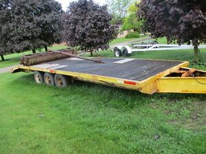24 foot beaver tail construction trailer