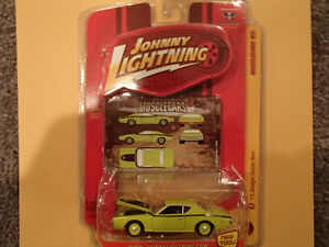 JOHNNY LIGHTNING - MUSCLE CARS - 1971 DODGE SUPER BEE X2