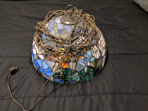 Faux Tiffany Lamp w/ Hanging Chain