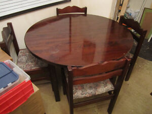 5 PC Dining Room Table & Chairs