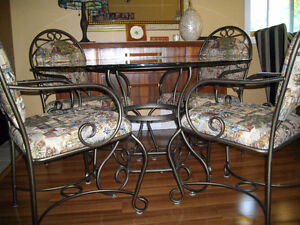 QUALITY INDOOR / OUTDOOR WROUGHT IRON  / GLASS TABLE + 4 CHAIRS