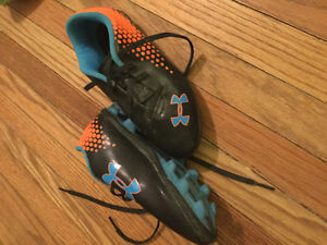Soccer cleats - various sizes