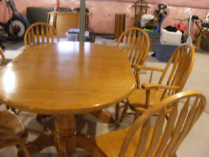 Kitchen table Custom-made by Mennonites