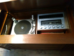 Antique Stereo and record player