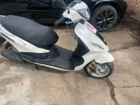 Piaggio Fly 50cc Scooter 11884 km .
