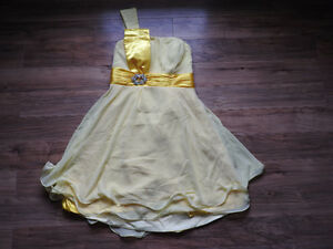 NEW never worn yellow dress - size 12/Large (less than cost!)