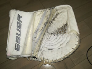 SENIOR BAUER WHITE GLOVE TRAPPER R6X LIMITED EDITION ALMOST NEW