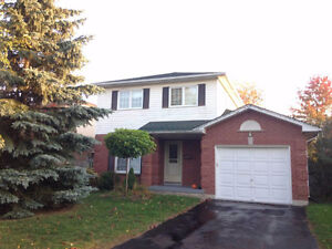Master bedroom in Courtice $650 - 12mins to Darlington!