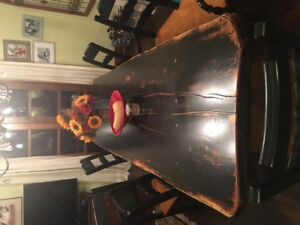 MUST SELL Gorgeous Hard Wood Table seats 8